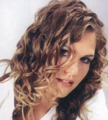 wavy curly hair styles and hair cuts women